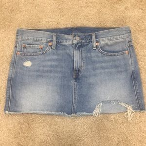 Levi's Jean mini skirt. Size: 29